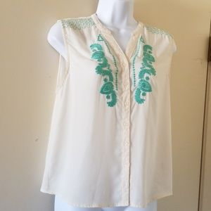 Forever 21 cream and green embroidered blouse sz M